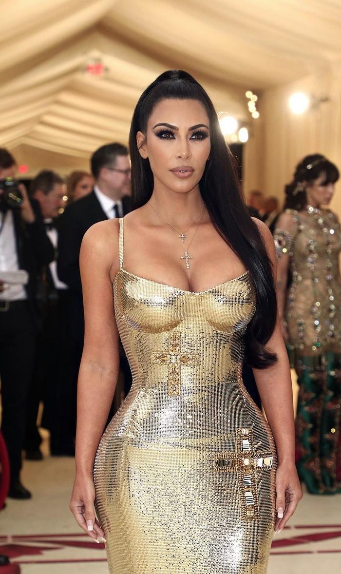 akim-kardashian-west-superJumbo-v4