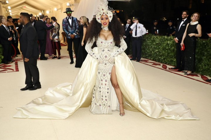 red-carpet-met-gala-4671-cardi-b-superJumbo-v2.jpg